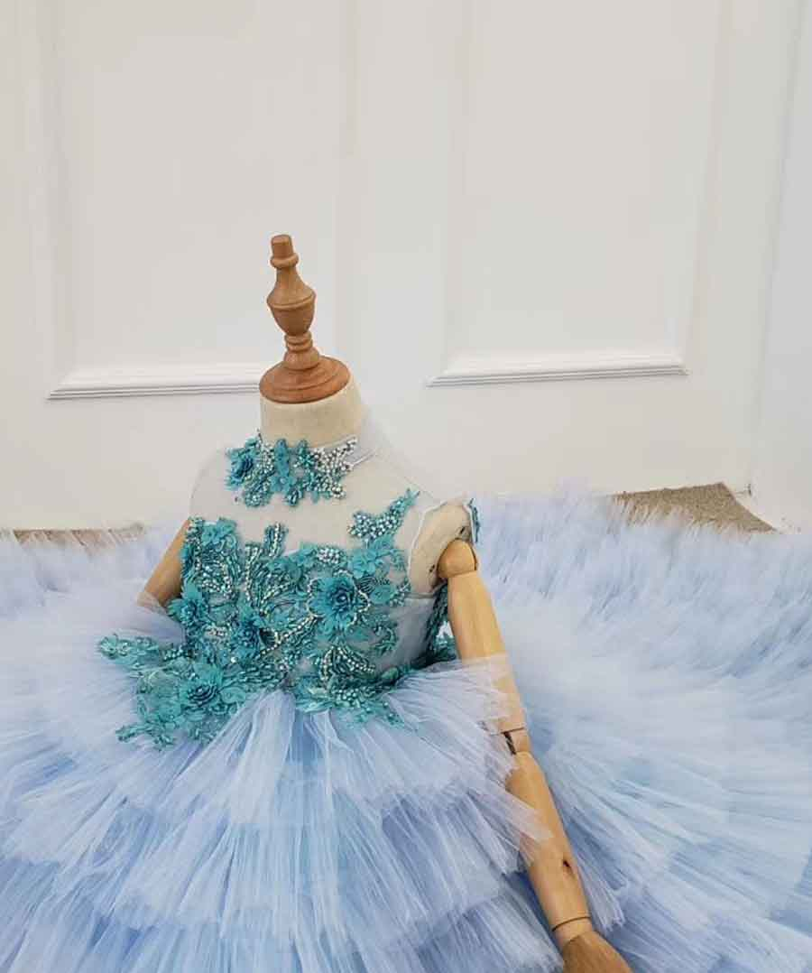 blue cake beautiful girl dress