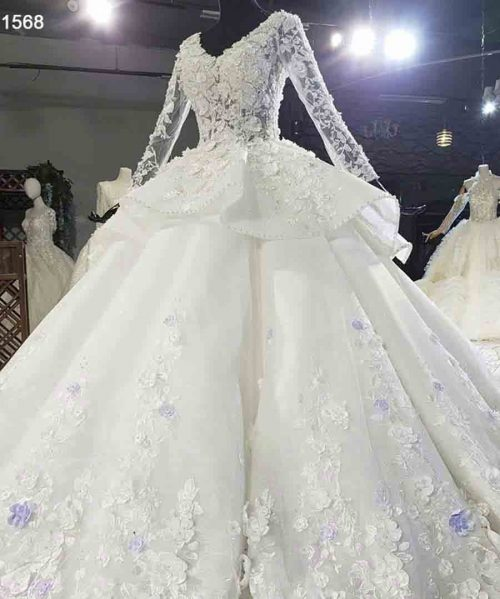 V-Neck Applique Long Sleeve Vintage Wedding Dress
