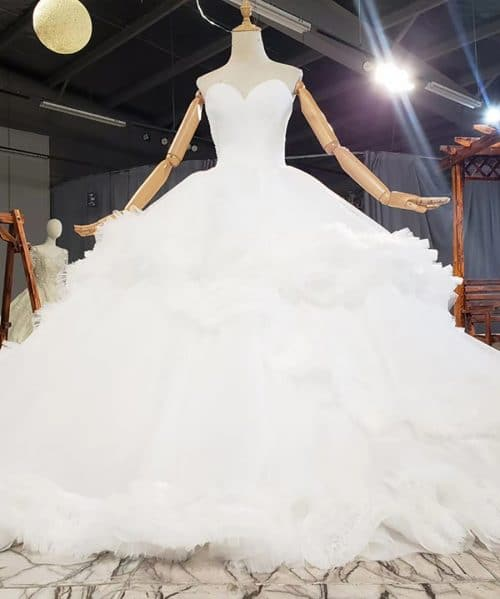White Sweetheart With Sleeveless Tiered Wedding Dress 2020 HTL1769